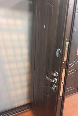 Входная дверь GROFF P3-300 П-1 Темный Орех (серия Premium)